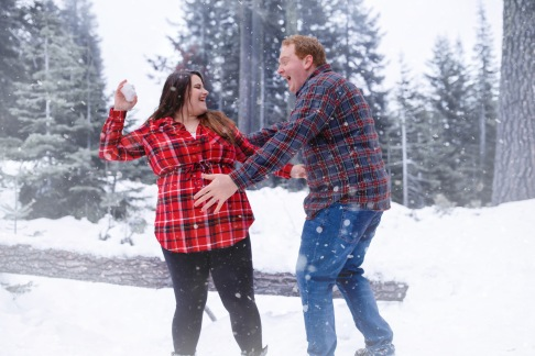 christina_maternity-153snow