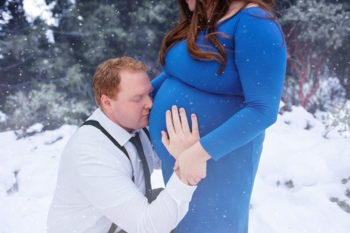 christina_maternity-42snow
