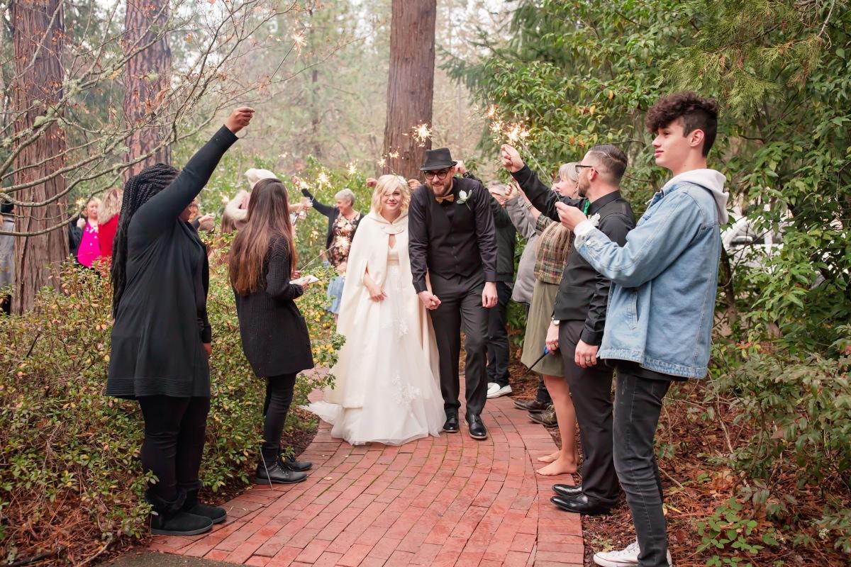 #capturingessencephotography, #southernoregonweddings, #Decemberwedding